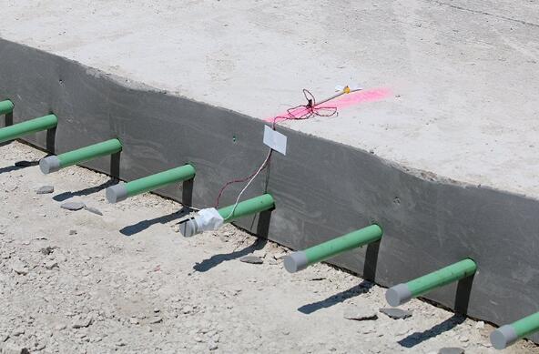 美国将传感器嵌入到公路混凝土中监测路面数据