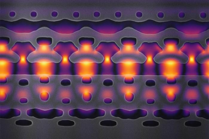 国外创建可装在芯片上的微型粒子加速器,或有助于治疗癌症