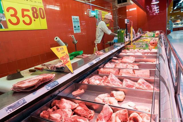 """猪肉批发价连续10周下降,""""智慧养猪""""将是未来主流?"""