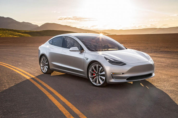 马斯克:开放自动驾驶技术,提供动力电池帮助,我们不想压垮友商